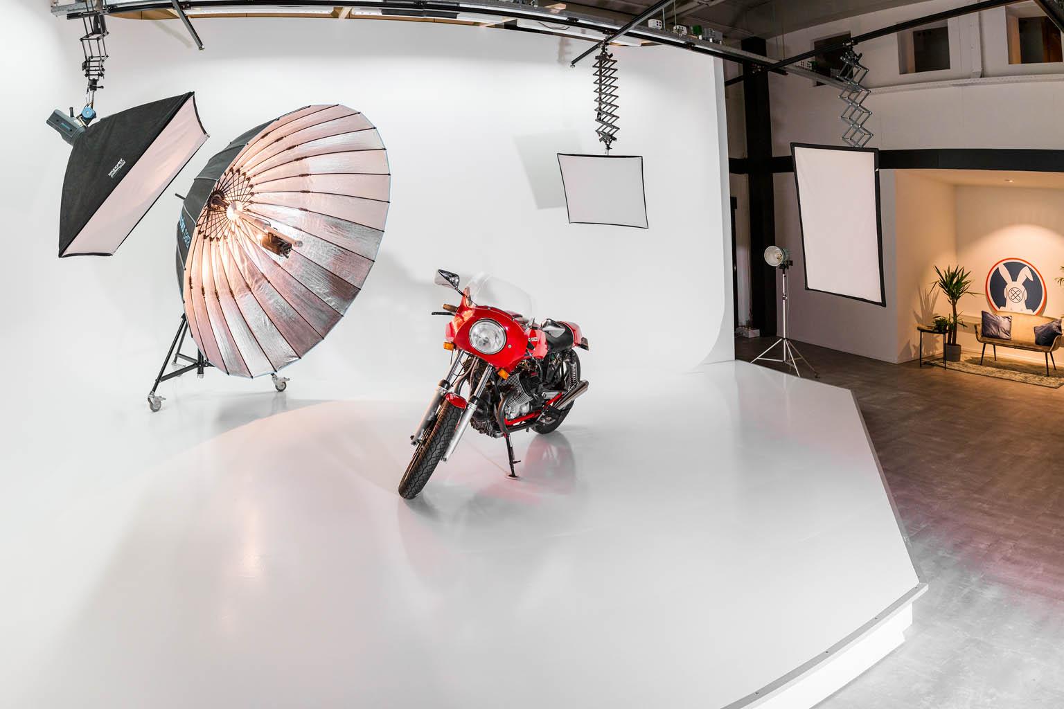 Cyclorama studio